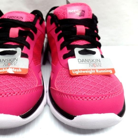 Danskin Now Girl/'s Pink W//Black Trim Lightweight Running Athletic Shoes NWT